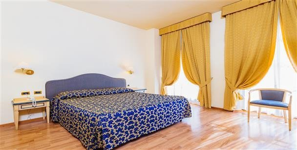 Day Use Serale Firenze | Che Hotel Cerchi| DayBreakHotels
